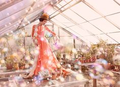 Sun and bubbles and gorgeous garden party inspiration.