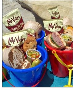 LOVE THIS IDEA! Add a fruit, a juice box, No GMO chip bag, and a sub sandwich. Place large blankets down on the grass and have a group picnic. Food served in beach-pail. this would so cool if your kid had a birthday at the beach--indoor beach party? Beach Picnic, Summer Picnic, Beach Lunch, Birthday At The Beach, Summer Birthday, Picnic Birthday, Birthday Fun, Fruits Decoration, Beach Meals