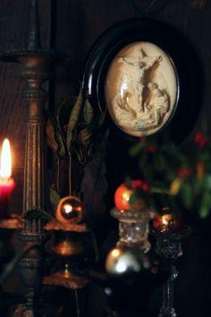 アンティークオーナメント レリジャスアンティーク 磔刑のイエス像 ガラスドーム フランス