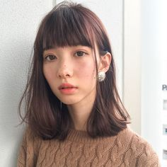 なりたい雰囲気別♡春のおすすめヘアカラー見本帳 - LOCARI(ロカリ) Lob Hairstyle, Long Bob Hairstyles, Medium Hair Styles, Short Hair Styles, Natural Hair Styles, Ulzzang Hair, Salon Style, Shoulder Length Hair, Perfect Skin