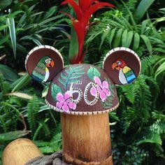Disney Birds, Disney Love, Walt Disney, Disney Enchanted, Tiki Room, Mouse Ears, Disneyland, Christmas Ornaments, Holiday Decor