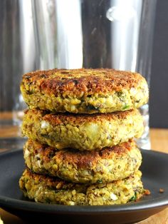 Sprouted Mung Bean Burger with Mint-Cilantro Chutney | http://holycowvegan.net/2015/06/sprouted-mung-bean-burger-with-mint-cilantro-chutney.html