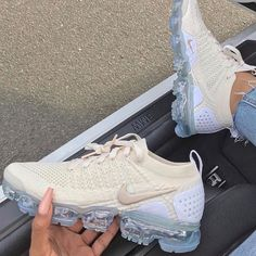 Nike Vapormax White beige flyknit 2019 Sneakers air max shoes women new. Hype Shoes, Women's Shoes, Me Too Shoes, Shoes Sneakers, Black Sneakers, Golf Shoes, Girls Tennis Shoes, Cute Sneakers, Sneakers Women