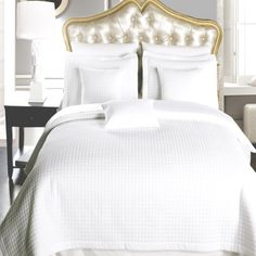 Bedroom White Bedspread With Colorful Pillows White Twin Bedspread White And Blue Bedspread White Bedspread to Require You the Proper Treatments