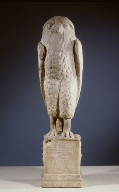 The Romans thought owls to have predictive powers, because of their good night vision. Roman soothsayers interpreted certain signals from the owl into predictions about the future. The statue of the owl was probably a sign of a seer in Rome. On the plinth we can read the text 'Archates Petrios', the seer, who predicts the future for four as. An as was a Roman coin. Want to know more? Click on the image. | Rijksmuseum van Oudheden