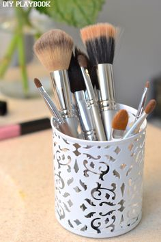 Clean and Organize Make-up Brushes