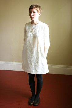 SALE pintuck dress snow XS by modaspia on Etsy Sewing Clothes, Diy Clothes, Simple Dresses, Beautiful Dresses, Textiles Y Moda, Snow Dress, Vintage Dresses, Vintage Fashion, Style Inspiration