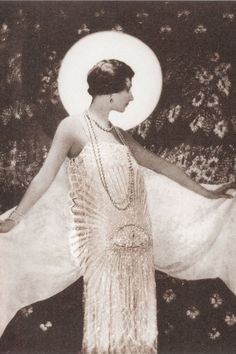 1925 - Chanel dress by Adolf de Meyer 4 HarpersBazaar