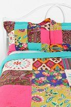 Idea for a Summer Silk Quilt     (like the colors)      #UrbanOutfitters