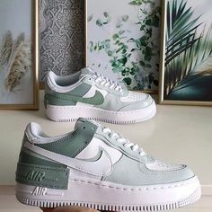 Dr Shoes, Cute Nike Shoes, Swag Shoes, Cute Sneakers, Nike Air Shoes, Hype Shoes, Shoes Sneakers, Green Nike Shoes, Air Force Sneakers