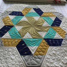 @jaybirdquilts #gazeboquilt made with the #hexnmore