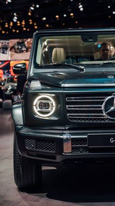 Mercedes-Benz G-Class 2018 Mercedes G Wagon, Mercedes Benz Trucks, Mercedes Benz G Class, Mercedes Benz Models, Mercedes Maybach, Luxury Cars, Dream Cars, Cars And Motorcycles, Gt 500