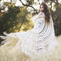 The beautiful @jamienkidd  Wrapped up in the stunning Bijou DAYDREAMER Crochet Throw  Available now in Soft Sand & Stone Grey   FREE SHIPPING! http://ift.tt/1kqYGi7