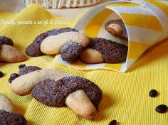 Biscotti Intrecciati al caffè e vaniglia.....biscotti friabili e dal sapore e profumo di caffè e vaniglia, semplicemente casalinghi si sgranocchiano in ogni