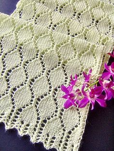 Gorgeous lace scarf, and the pattern is free!