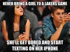 Lollll XD me ain't that kind of girl who texts on phone while a game is going on