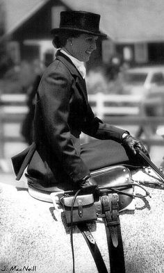 Is there anything more elegant than side saddle?