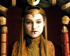 War of Five Queens — Queen Amidala, senate gown,  Star Wars Episode I:...