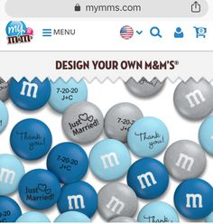 Personalized m&ms at place settings in organza bags