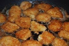 Wanneer je deze kipnuggets geproefd hebt wil je nooit meer anders! Ja, dat durf ik rustig te zeggen. Zorg ervoor dat je goede kipfilet koopt, liefst biologisch of scharrel.