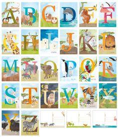 Set van 26 kaarten, op elke kaart staat een letter met bijpassend dier, van aap t/m zebra. Zelfs de X met x-ray vis en de Q met quetzal zitten erbij. Leuk om het alfabet te leren, of om op de muur te hangen. Op de achterkant staan lijntjes, zodat je de kaarten ook makkelijk kunt versturen. Formaat ansichtkaart, 105 x 148 mm, dubbelzijdig bedrukt op 300 grams mat papier. Er is ook een leuke alfabetposter voor de kinderkamer: https://www.etsy.com/listing/261299763/...