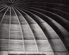 Vista interior del forma de cúpula techo, Auditorio de la Reforma, Centro Civico 'Centenario Cinco de Mayo', Puebla, México 1962  Arq. Abraham Zabludovsky  y Ing. Jehová Guerrero Torres -  Interior view of the domed ceiling, Auditorio de la Reforma, Civic Center, Puebla, Mexico 1962