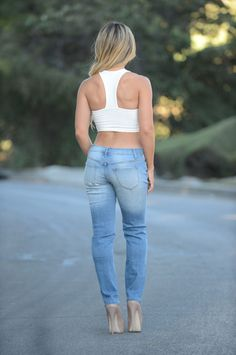 Boyfriend Jeans & Mom Jeans for Women - Trendy Denim Styles – 2 Girls Jeans, Mom Jeans, Perfect Jeans, Denim Fashion, Boyfriend Jeans, Casual Wear, How To Wear, Collection, Closet