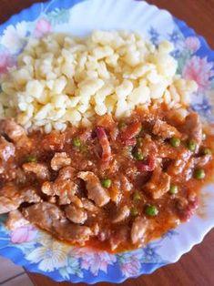 Borsos tokány nokedlivel Shrimp Recipes Easy, Pork Recipes, Cooking Recipes, Hungarian Cuisine, Hungarian Recipes, Good Food, Yummy Food, Pork Dishes, Food 52