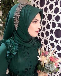 Bridal Hijab, Disney Wedding Dresses, Hijab Bride, Wedding Hijab, Pakistani Wedding Dresses, Modern Hijab Fashion, Street Hijab Fashion, Nigerian Weddings, African Weddings