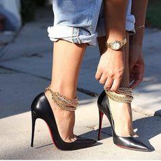 Sapato Liiindo 😍👠 #moda #modaparameninas #blog #fhits #makeup #maquiagem #granfinachic #loucaporcompras #niinasecrets  #makeup #maquiagem #formatura #casamento #sapatos #lookdodia #cabelos #tendencia #blog #itgirl  #fashionblogger