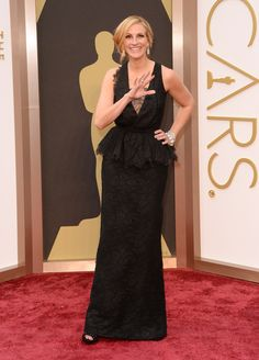 Not even if you're Julia Roberts should you wear a lace doily schmatte to the Oscars and with your hair not properly done besides!  Oscars 2014 Red Carpet: All The Dresses At The Academy Awards (PHOTOS, VIDEOS)