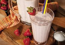 Low-Fat and sugar Strawberry Smoothie
