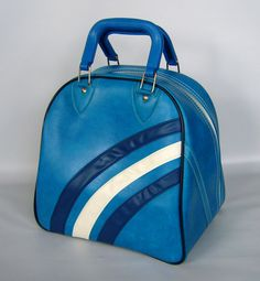 I still have a bowling bag just like this one.  It still looks new after 25 years!