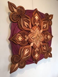 - Quilling Deco Home Trends Diy Wood Projects, Wood Crafts, Intarsia Woodworking, Woodworking Patterns, Quilted Table Runners Christmas, Intarsia Wood Patterns, Wooden Pattern, Wooden Wall Art, Picture On Wood