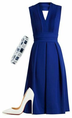 Love the dress but not the white shoes with it. - Women's fashion and Women's Bag trends Pretty Dresses, Beautiful Dresses, Classy Outfits, Cute Outfits, Dress Outfits, Fashion Dresses, Mode Ootd, Look Fashion, Womens Fashion