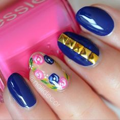 Nail art in blue, Pink with flowers. #negativespace  #nailart