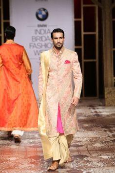Raghavendra Rathore. IBFW 14'. Indian Couture.