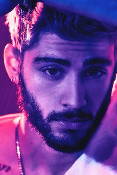 One Direction: Zayn Zayn Malik Tumblr, Zayn Malik Tattoos, Style Zayn Malik, Zayn Malik Photos, Zayn Malik Beard, Zayn Malik Drawing, Zayn Malik Shirtless, Zayn Malik Wallpaper, Zayn Malik Hairstyle