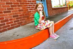 http://www.madeeveryday.com/2008/07/tutorial-a-simple-skirt.html/