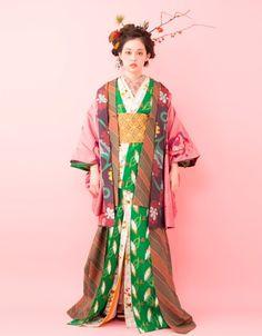 Aoyagi Fumiko 青柳文子 Hair style by Serizawa Akihiko 芹澤 明彦 - Pool Hair adv - 2012 Pool Hairstyles, Magazine Japan, Emperors New Clothes, Attractive Eyes, Coming Of Age, Yukata, Kimono Fashion, Traditional Outfits, New Outfits
