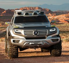 Mercedes-Benz's cool design study Vision Ener-G-Force for the Los Angeles Design Challenge shows how the genes of the G-Class might survive into the distant future.