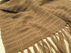 Xale para sofá produzido com fio de algodão em teares de Minas Gerais (1,15m x 1,45). Em nossa loja virtual > R$39,00