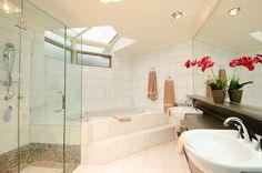 Huge Nerang river home offering incredible value for money…. - Peter McManus Real Estate