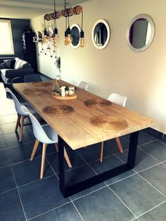 Table de 2m50 en chêne et métal  #woodworking #architecture #naturelovers #art #photography #photooftheday #handmade #love #green #instagood #beautiful #picoftheday #forest #design #photo #interiordesign #trees #tree #inspiration #interior #home