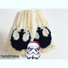 #handmake #handmade #StarWars #mittens #gloves #Rebellogo #Звездныевойны #знакповстанцев #повстанцы #митенки #рукавички #перчатки #гикатрибутика #подарок #ручнаяработа