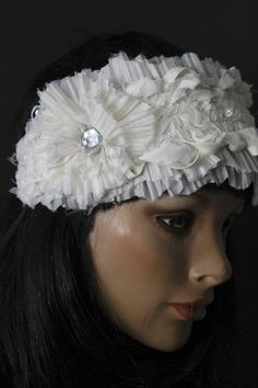 Headband ivoire bandeau parure cheveux bijou de tête accessoire mariage mélange de matières tons clairs fleur fronces