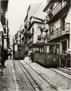 Lisboa ( Elevador da Bica )