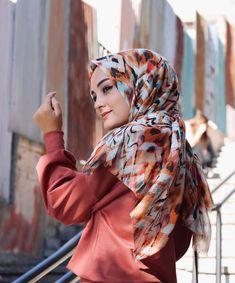"""7,569 Beğenme, 3,193 Yorum - Instagram'da Aleyna ATALAR (@atalaraleyna): """"Açıklandı @mavidenscarf ile bol hediyeli fotoğraf paylaşıyorum🐣 Kazanan 5 kişiye @mavidenscarf tan…"""""""