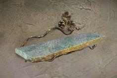 1309 Vineyard Shelf w/Stone