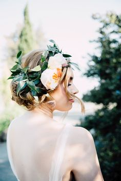 garden rose flower crown - photo by Justina Louise Photography http://ruffledblog.com/willamette-valley-vineyard-wedding-shoot